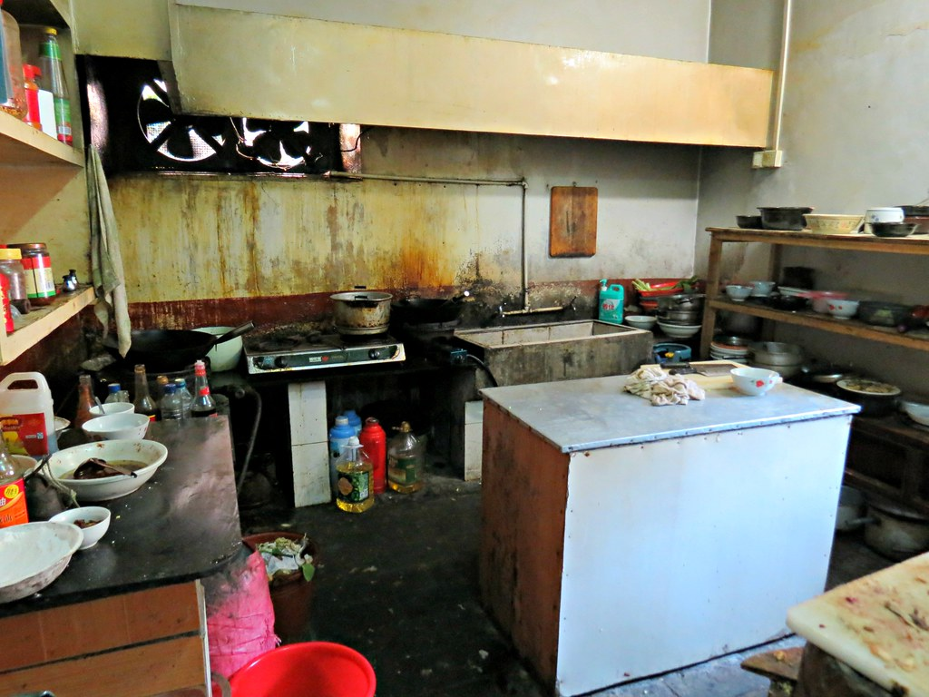 the not so hygienic kitchen in our hotel | China. Fujian Pro… | Flickr