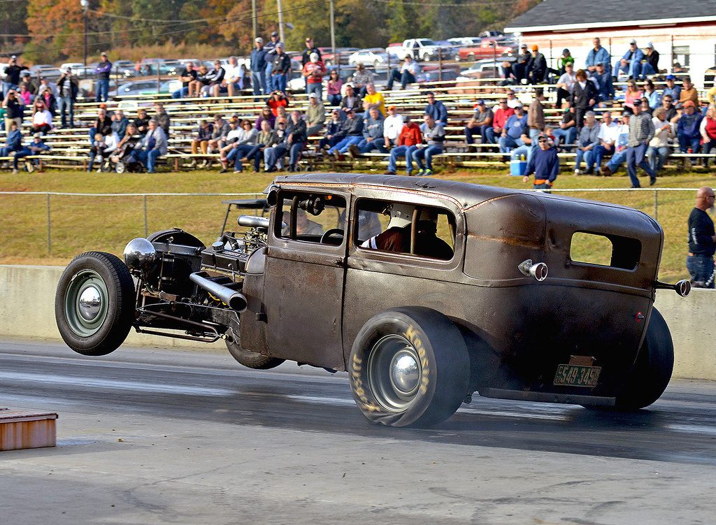 Seriously fast and nasty Rat Rod on track | This thing hunke… | Flickr