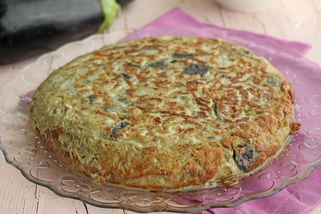 Tortilla de berenjenas www.cocinandoentreolivos.com (11)