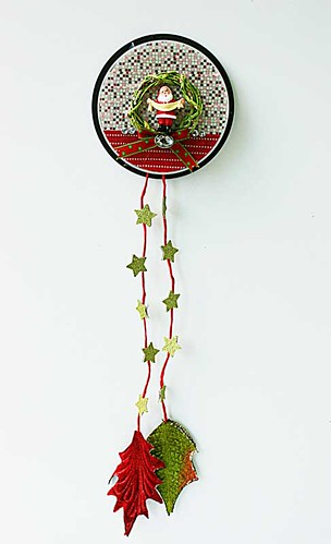 Christmas-wall-hanging-for-Xyron-by-Yvonne-Yam