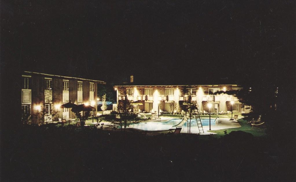 Paradise Motor Inn & Restaurant - Bennington, Vermont