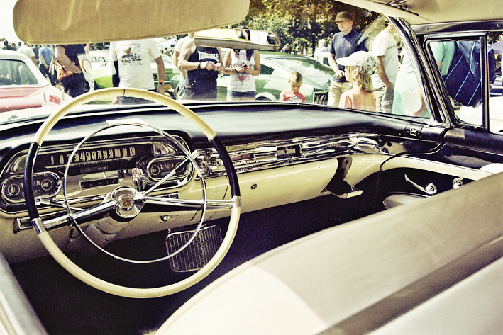 ... Cadillac Classic Car American Interior   By Grundyinsurance