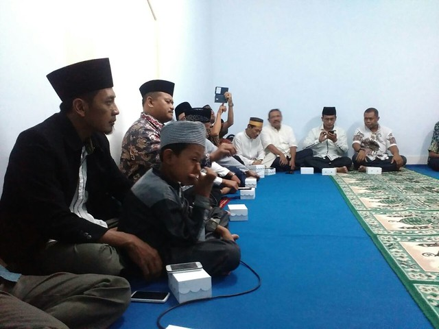 Suasana kultum menjelang buka bersama di mushola KPU Kab.Tulungagung(27/6)