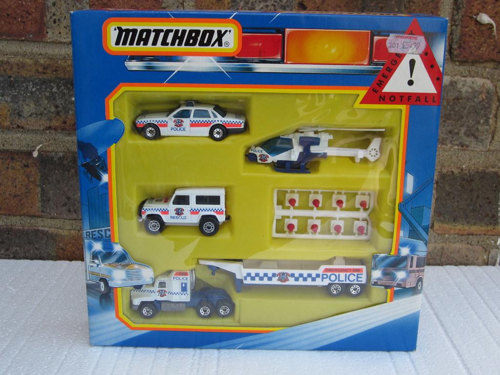 Vintage 1980 S Matchbox Toy Police Gift Set Including Jagu Flickr