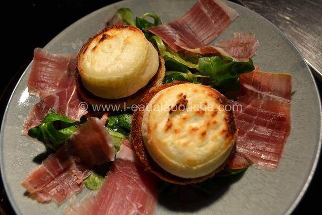 Salade au Chèvre Chaud et Jambon Cru © Ana Luthi Tous droits réservés 21