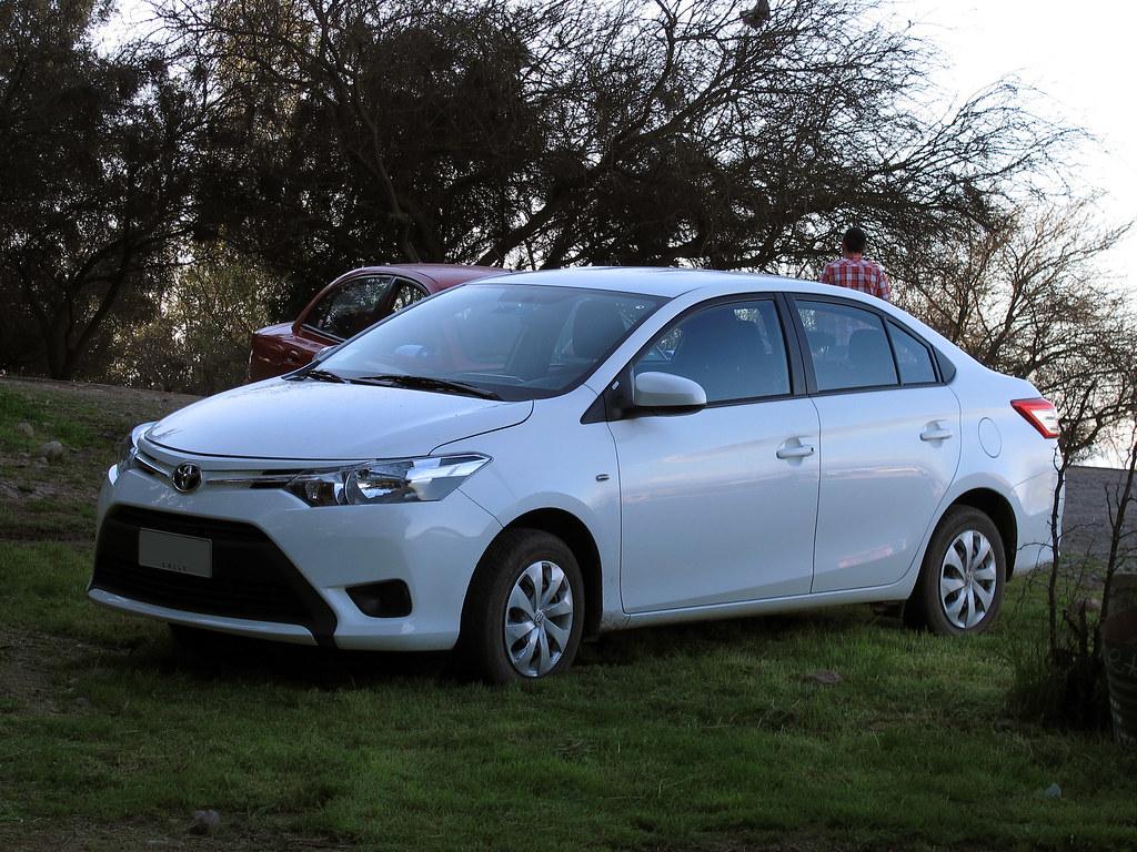 Toyota Yaris 1 5e Xli Sedan 2015 Rl Gnzlz Flickr