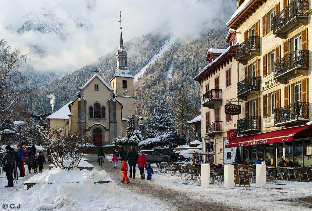 époustouflant Chamonix, place de l'église pendant les vacançes de Noël | Flickr &EM_39