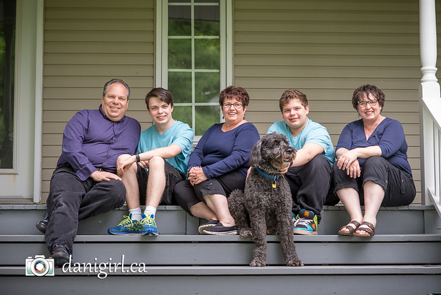 Family pictures by Ottawa family photographer Danielle Donders