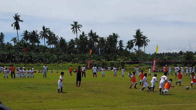 (Video) DavaoLife.com: Coca-Cola FEMSA Partners with ANAKK Sta. Cruz and Real Madrid for Social Sports School Program
