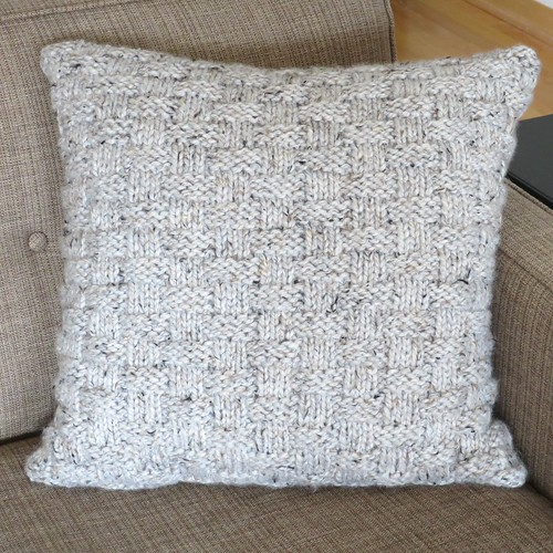 How To Make A Basket Weave Pillow : Iron craft challenge knit basket weave pillow