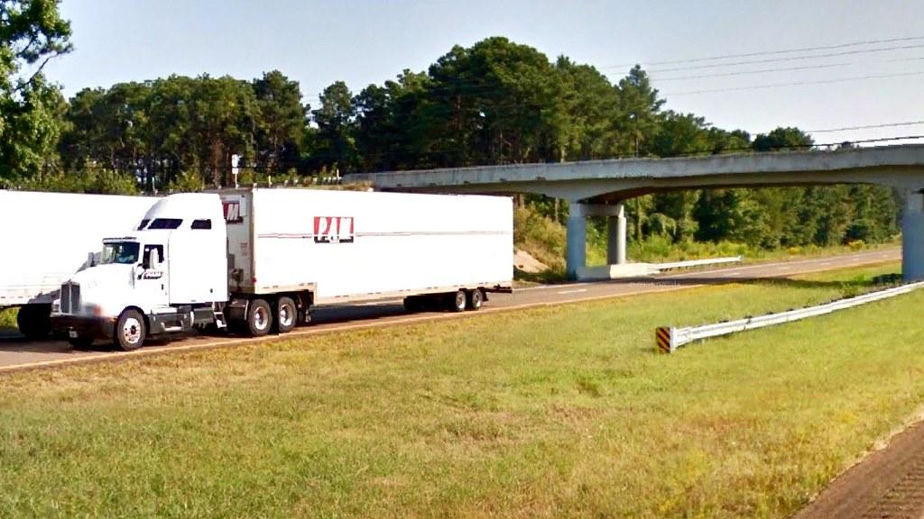 Pam Kenworth with drop frame trailer | Stanton, TN | tnsamiam | Flickr