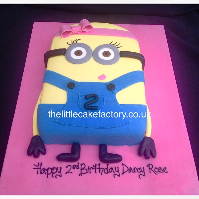 Giant Girl Minion minion novelty birthdaycake celebrat Flickr