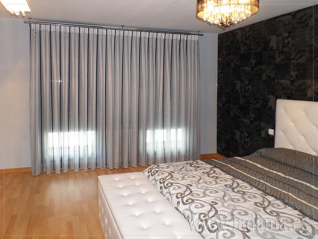 cortinas modernas para dormitorio de matrimonio cabecero tapizado y colcha de reig mart