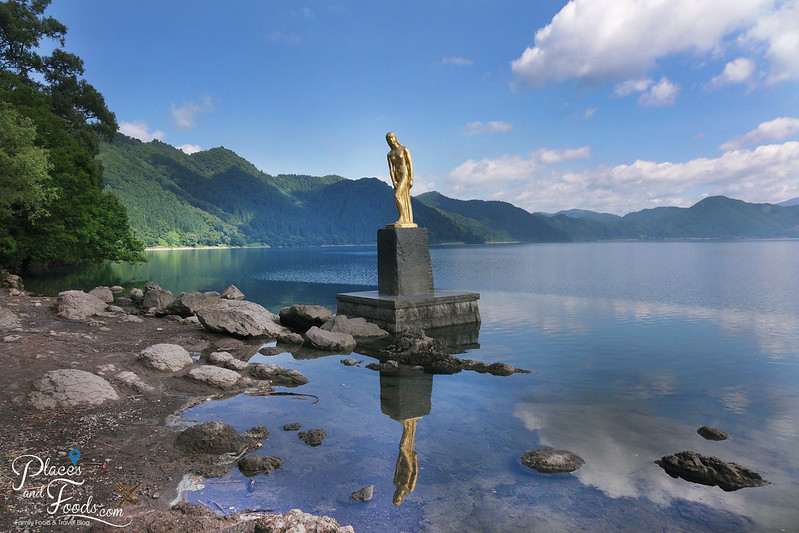 Lake Tazawa statue of tatsuko reflection