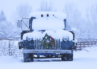Old Truck with Christmas Wreath | by mikebslone