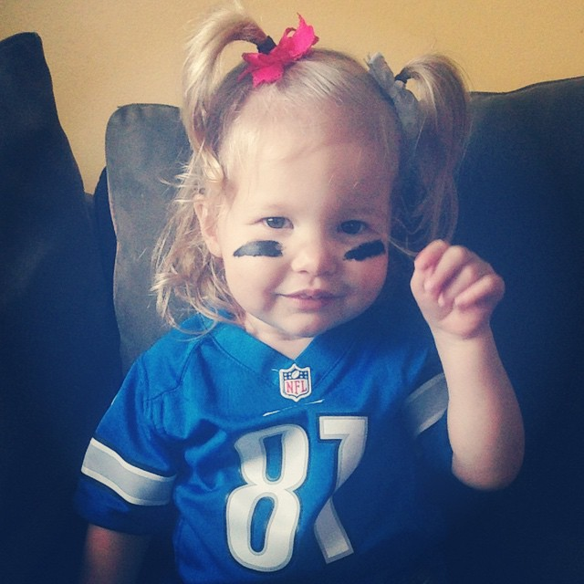 "Definitely Daddy's girl. ""Mama, I watch footballball! Go wions roooooarrrr wions!"" ???"
