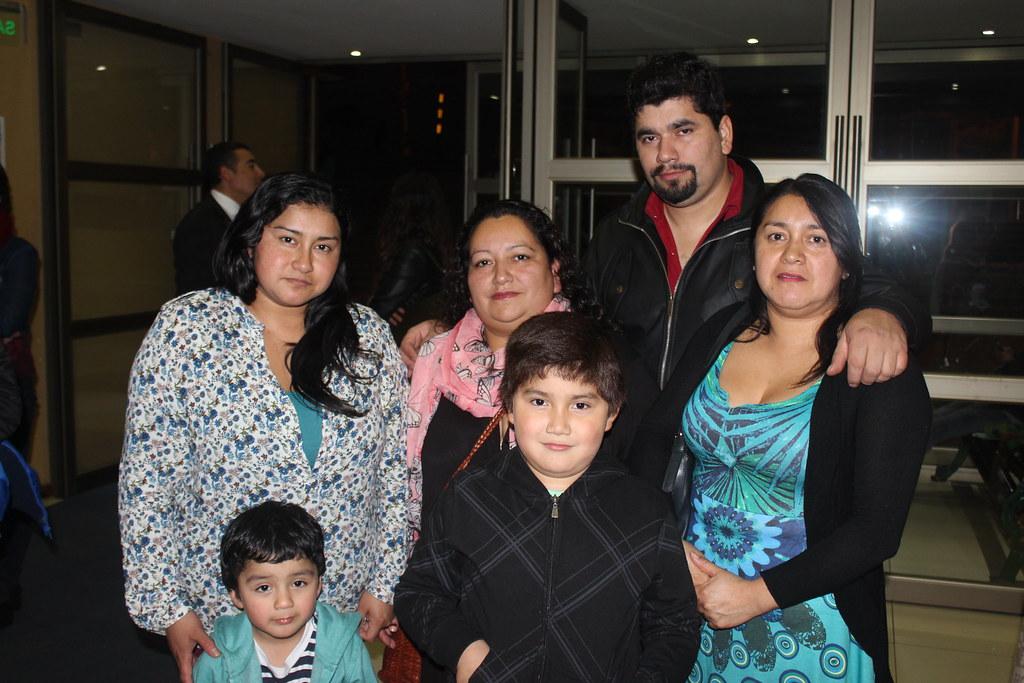 Sociales: Celebración Día de la Madre Escuela Canto PLC