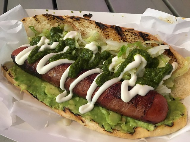 El de la foto - Los Schucos Latin Hot Dogs