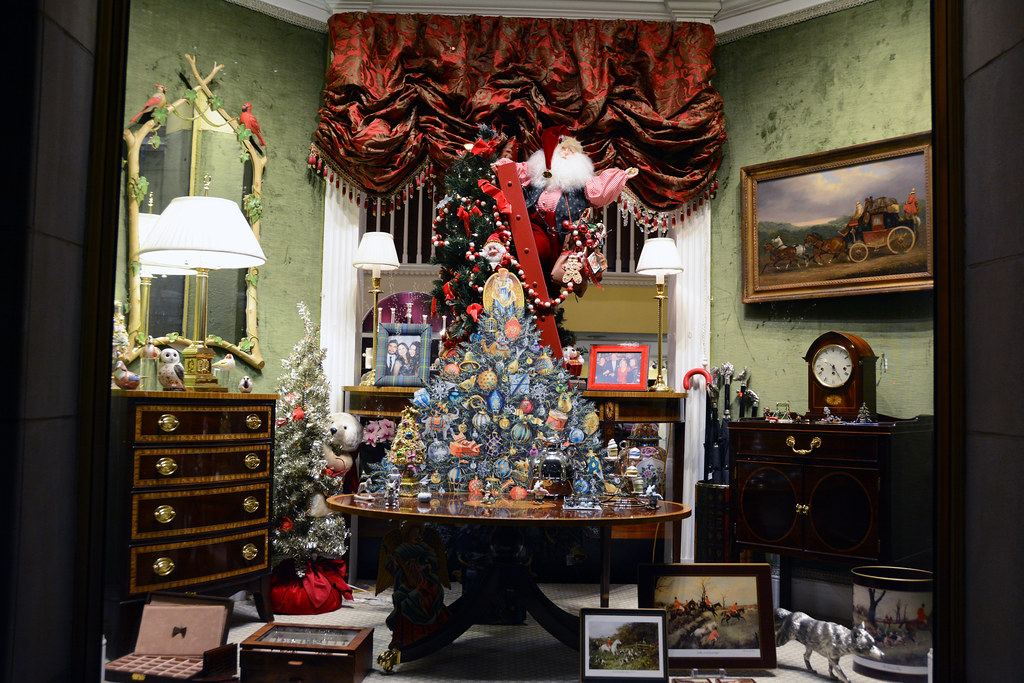 ... Picture Of 2014 Holiday Window 1 Of Scully U0026 Scully Located At 504 Park  Avenue At