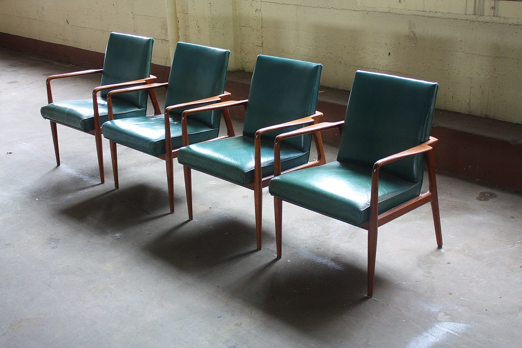... 1960s Dashing Midcentury Modern Stow Davis Sculptural Leather Arm Chairs  (Grand Rapids, Mi, 1960s