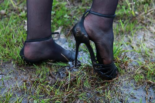 Women Muddy Shoes