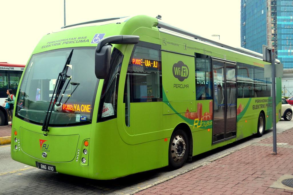 rapidKL's BYD electric bus ser...