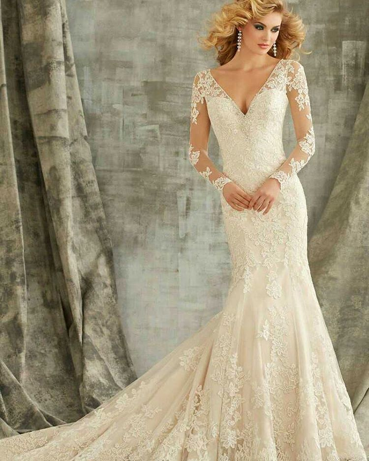 Designer Long Sleeve Wedding Gowns Like This Have A Very T Flickr