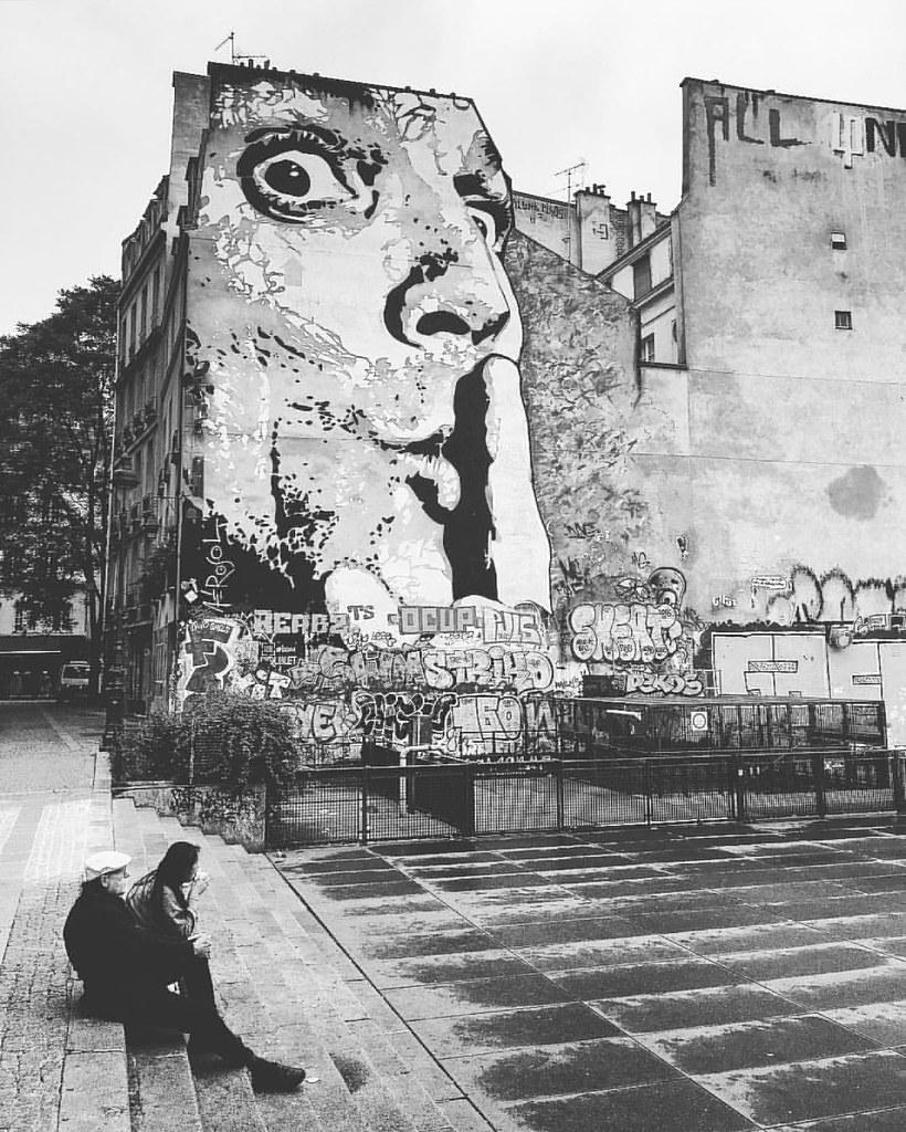 ssshhh silence please paris pompidou wallart bw flickr