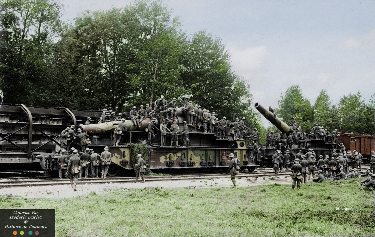 Captured railway guns at Mont-Notre-Dame, 7 km west of Fismes and 19km southeast of the city of Soissons in northern France in 1918.