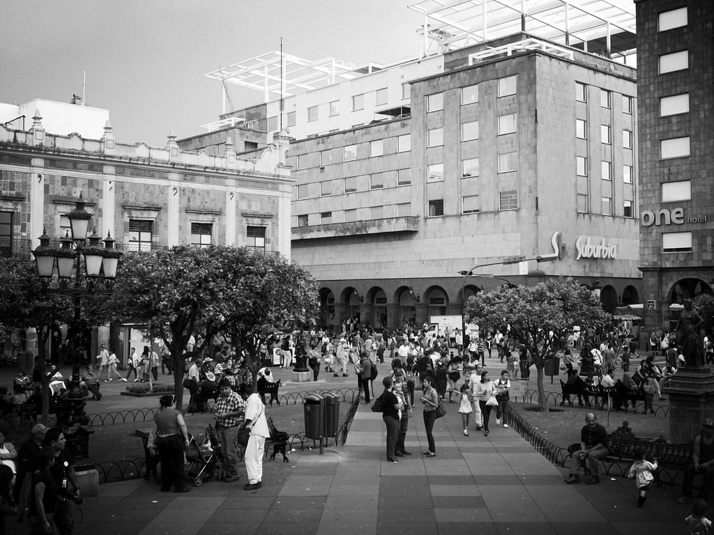 Plaza de Armas hacia el andador Pedro Moreno