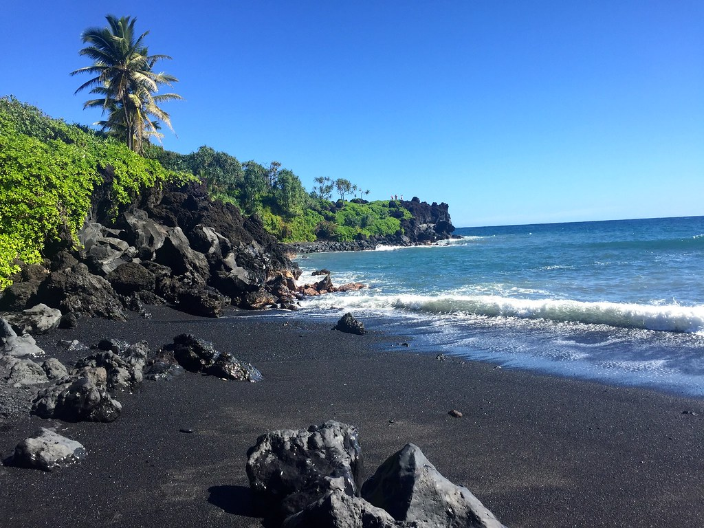 Honokalani Black Sand Beach, Waianapanapa State Park, Maui