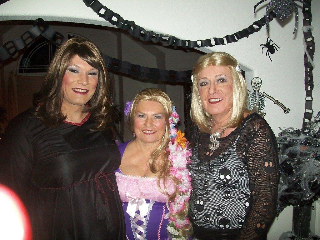 halloween party 2014 susan, trixie & julie | halloween party… | flickr