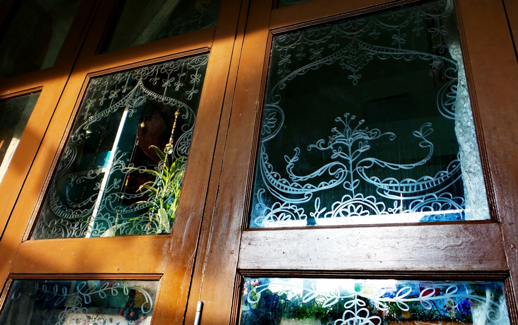Drawing on glass window with soap ( lovely idea from Pinte… | Flickr