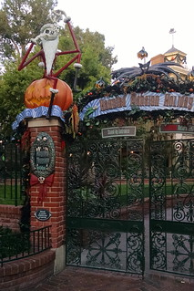 Haunted Mansion dressed for the holidays | by rhombitruncated