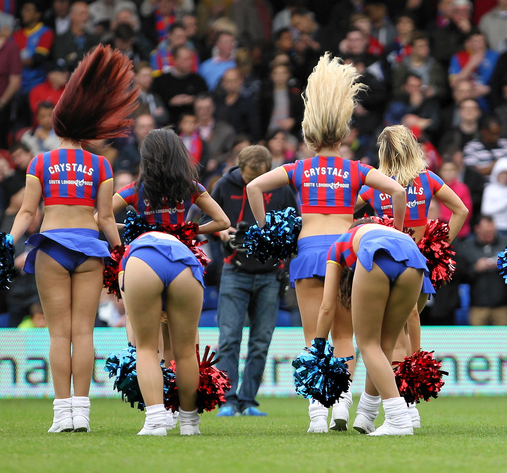 cheerleaders Crystal palace