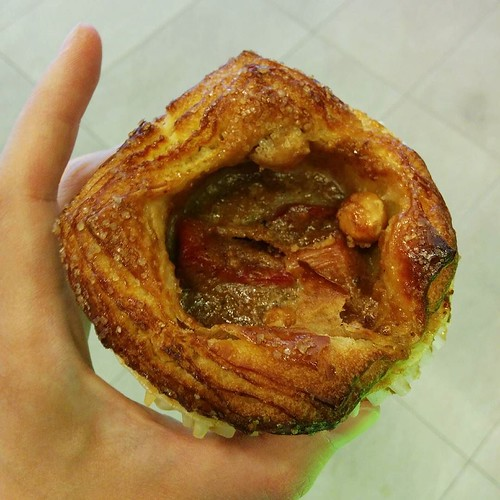 Today's breakfast was a flaky bun with rhubarb and hazelnuts. I'm loving all the buns here.