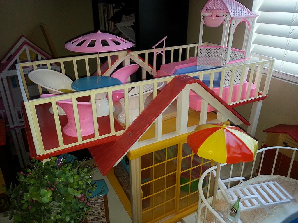 Vintage Barbie Dreamhouse 49