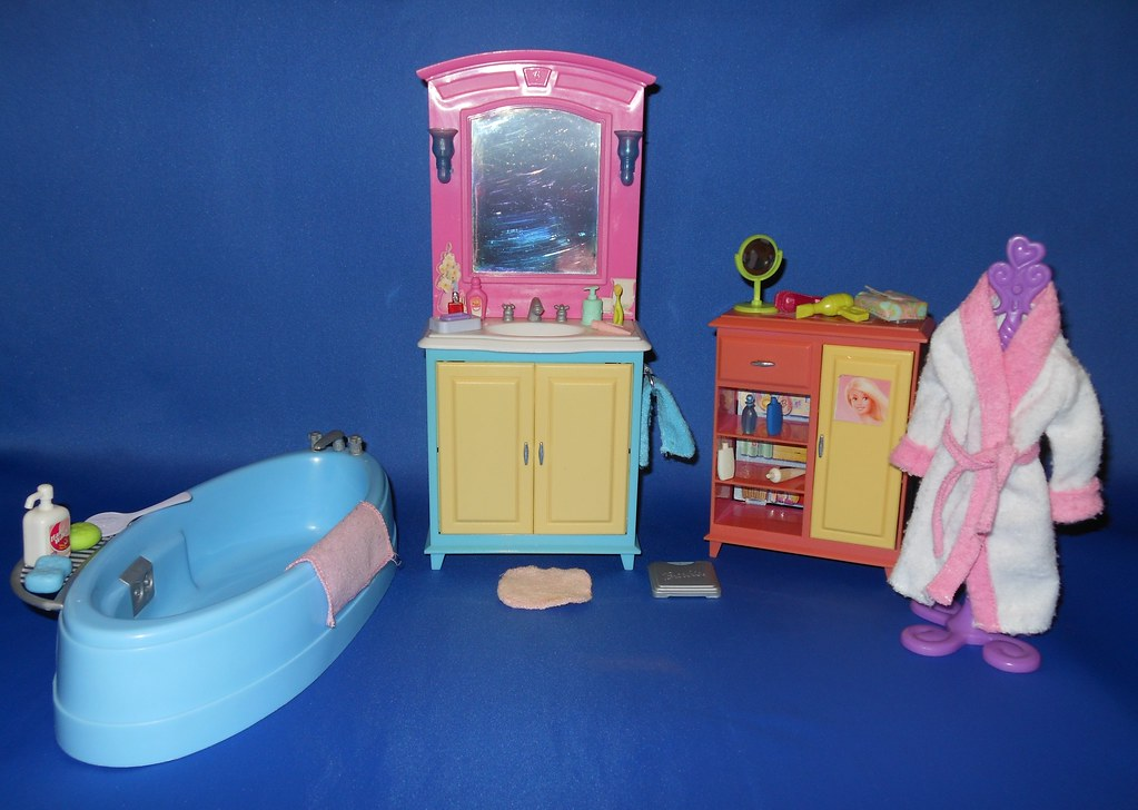 2003 Barbie Decor Collection Bathroom Set | earinna | Flickr