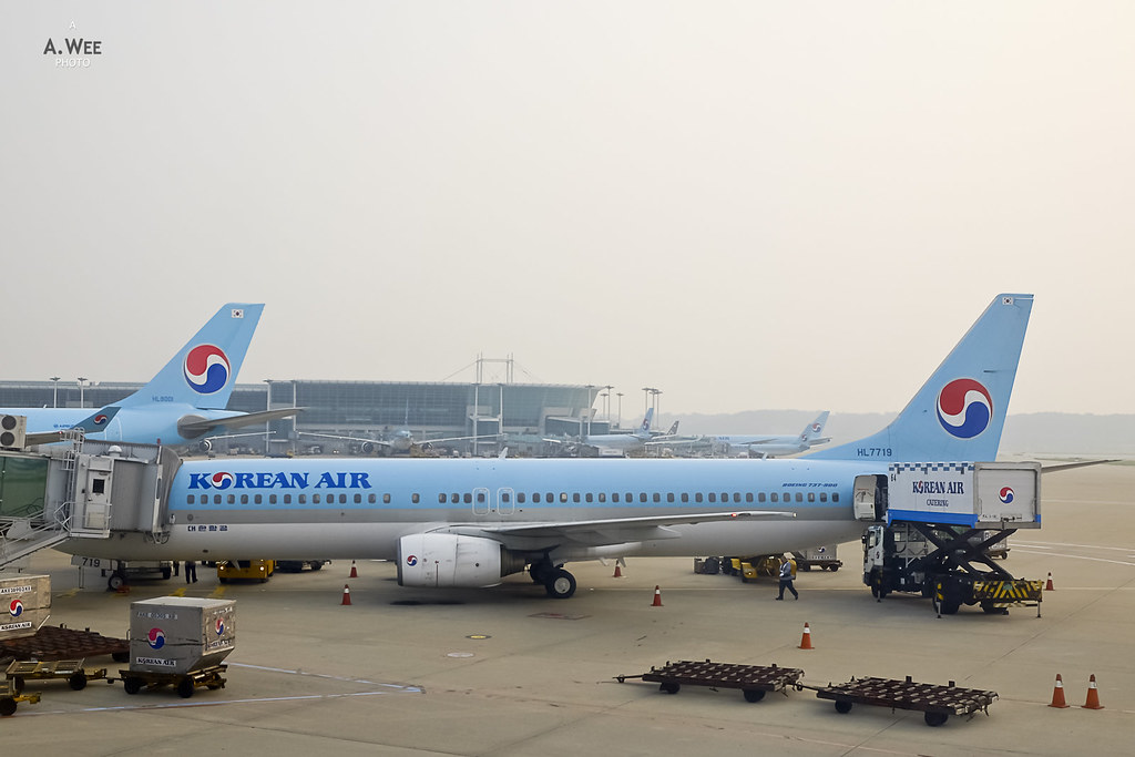 Korean Air 737-900