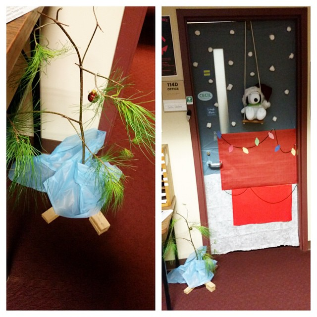 door decorating in the student life office looks like snoopy and the charlie brown christmas - Snoopy Christmas Door Decorations