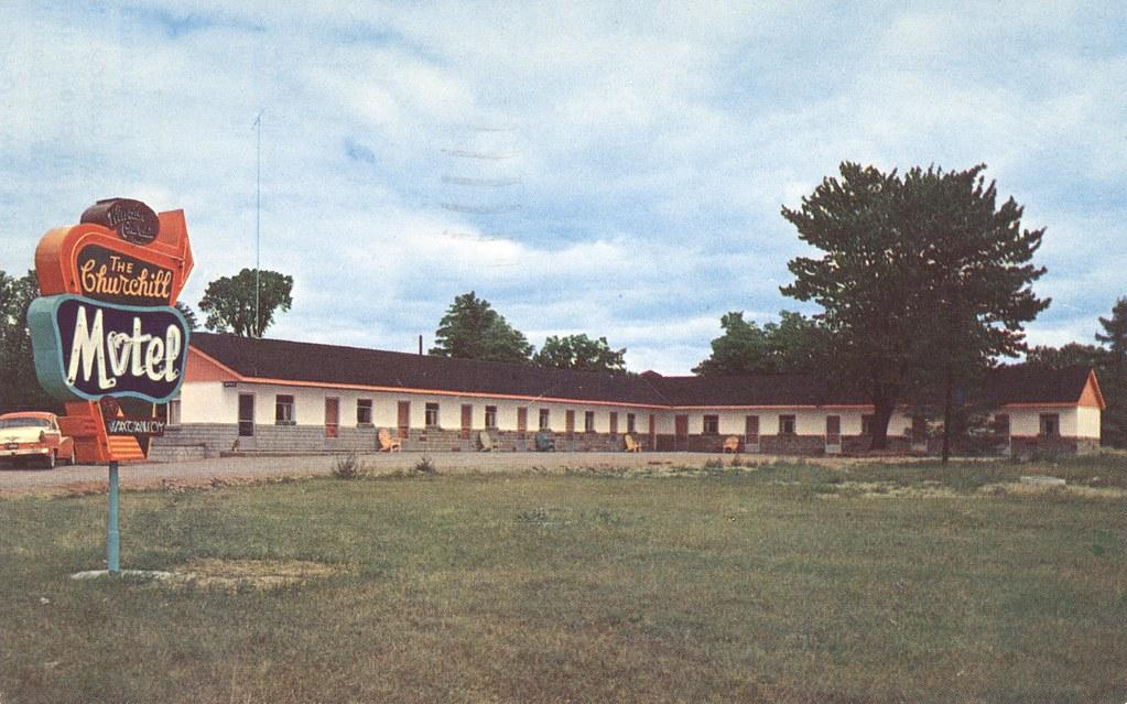 Churchill Motel - Gravenhurst, Ontario