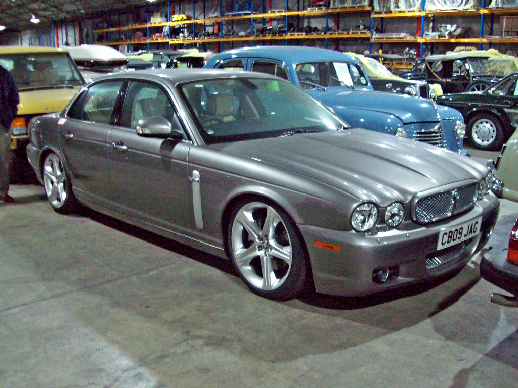 ... 368 Jaguar XJ (X358) Sovreign (2009) | By Robertknight16