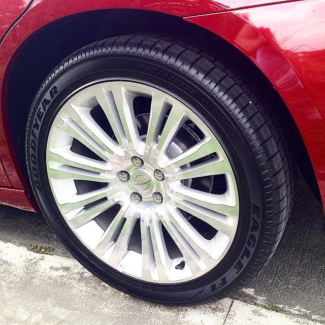 Big Ass Rims Riding In 20s 300c Chrysler Wheels Wheelspotting