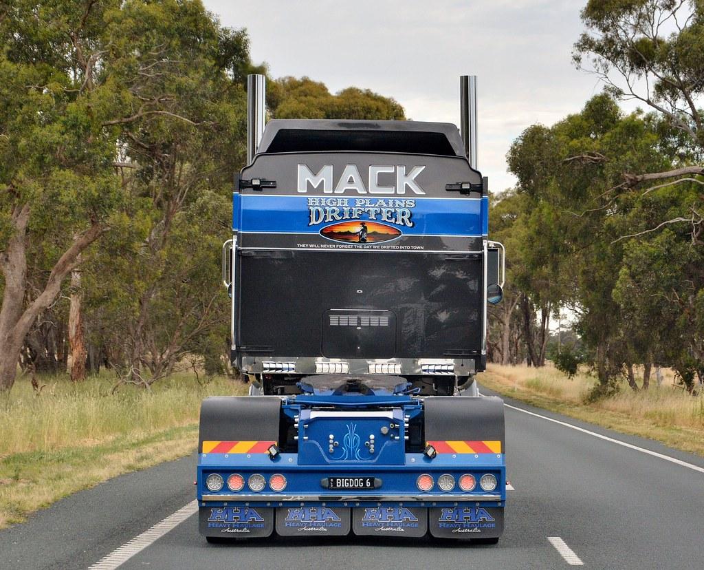 HHA | Mack Titan | Russell | Flickr