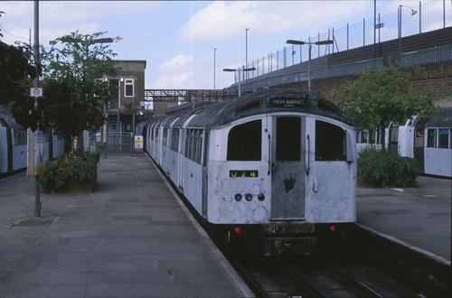 22895 Londen (Morden) 4 mei 1997