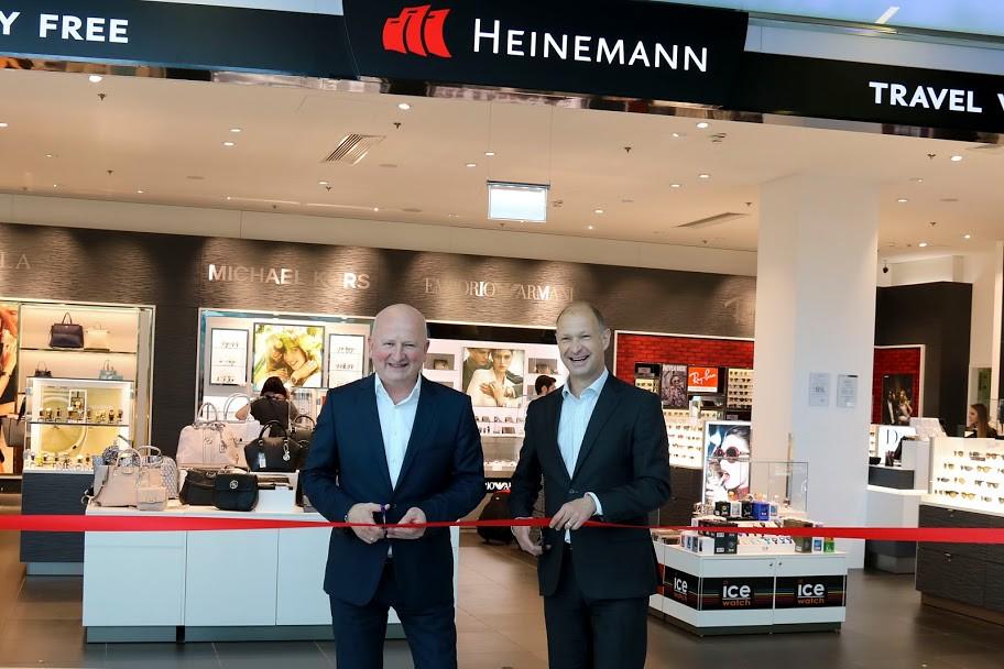 Felújította és bővítette repülőtéri üzleteit a Heinemann