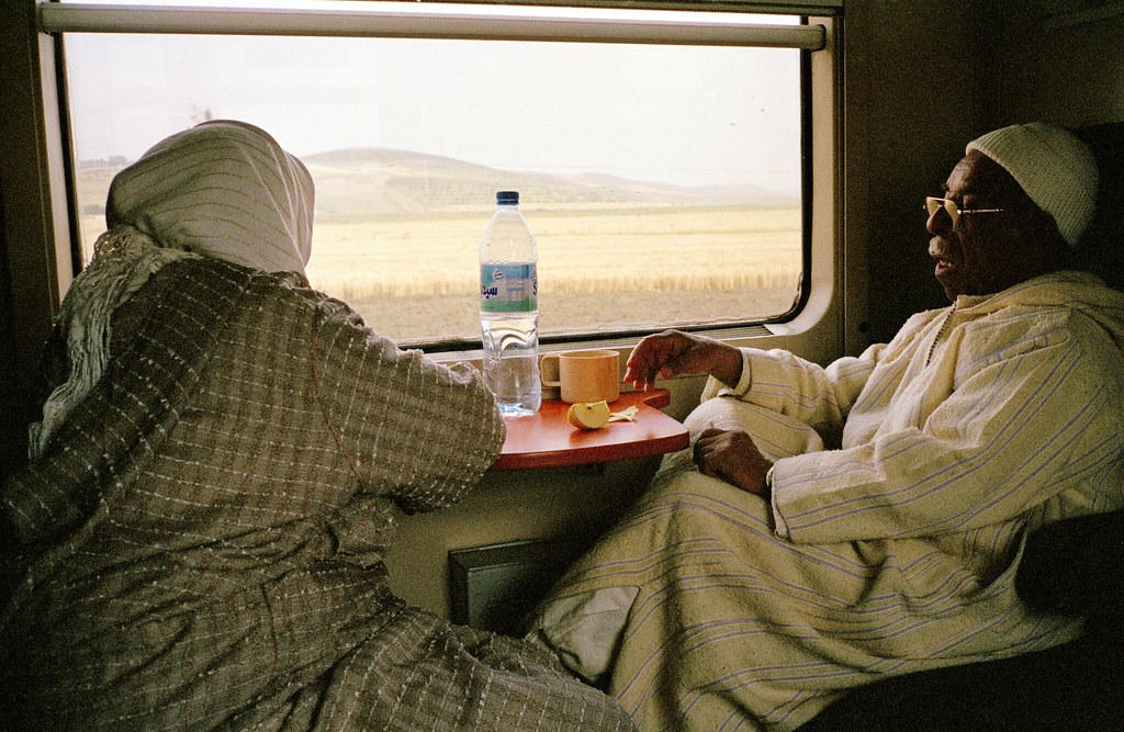 Dans le train entre Tanger et Marrakech, du nord au sud du Maroc. Photo de Alex Wright - alexwright.net