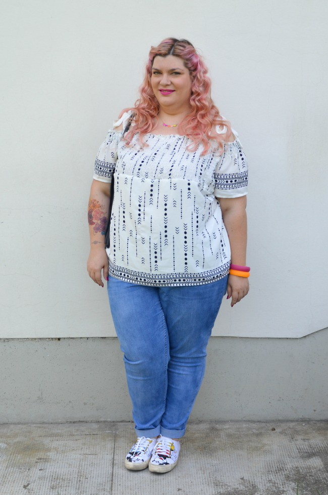 Outfit No comfort zone, bianco e jeans (7)