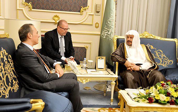 Diplomazia parlamentare: Ambasciatore d'Italia con il Presidente del Majlis Ash-Shura Abdullah Al Sheikh