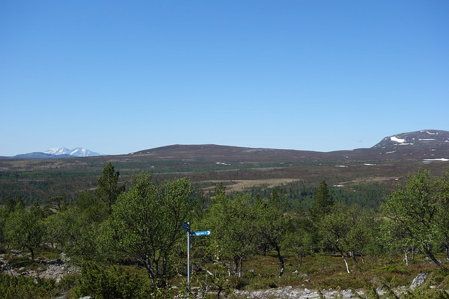 The open fell towards Norway with the peaks of Sölen nearly 50 km away